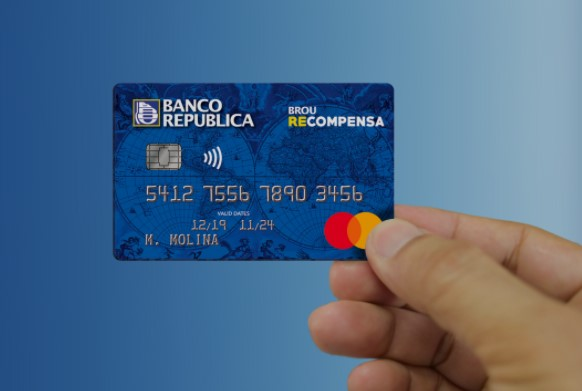 BROU ya comercializa su nueva tarjeta de crédito Recompensa. ¿Cómo funciona?