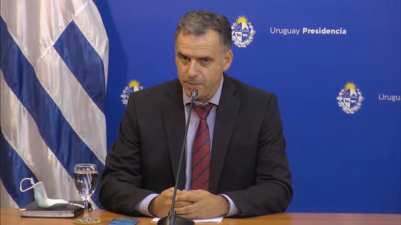 Yamandú Orsi propuso a Lacalle fabricar vacunas contra el COVID-19 en Canelones